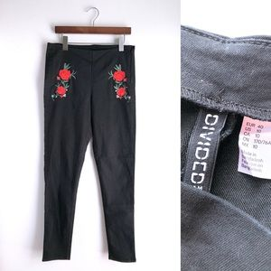 H&M Embroidered Black Skinny Pants